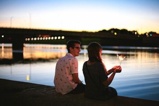 couple-2604197_640 (1)
