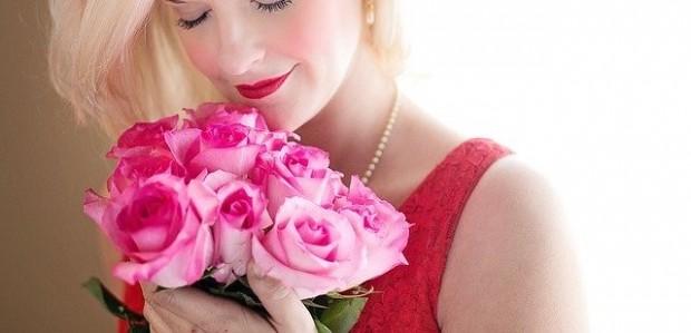 beautiful-woman-1435546_640 (1)