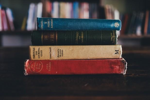 books-1246674_1920